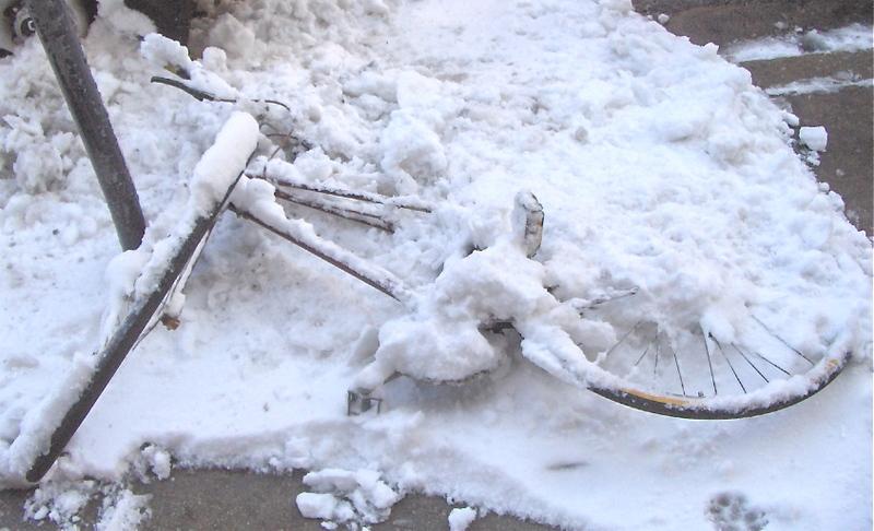 Bike_under_snow